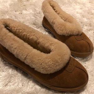Ugg slippers full coverage